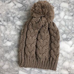 LAST CHANCE! H&M brown knit beanie